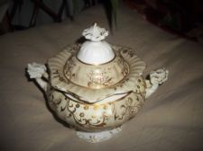 ANTIQUE ORNATE GILDED POT & LID CREAM BEIGE GRAPEVINE DESIGN RESTORED
